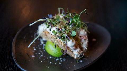 Løvtynt, supersprøtt tacoskjell møter saftig hummerfyll på Asia på Aker Brygge
