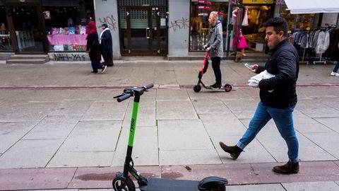 Ryde satte ut flere hundre elsparkesykler i Bergen uten en avtale med kommunen. Bergen kommune valgte derfor å saksøke Ryde. Her er en Ryde-sparkesykkel avbildet i Oslo, før Ryde valgte å trekke seg ut av Oslo.