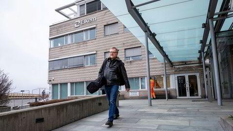 Elkems hovedkvarter i Drammensveien 169 ble stengt etter at en av de ansatte hadde fått påvist koronaviruset. Ingeniør Harald Haaland fikk en ekstra tidlig helg da han kom på jobb fredag morgen.