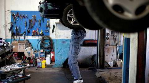 Bilverksted og varehandel har fått størst andel av lånene.