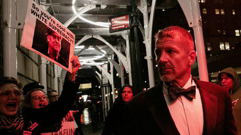Erik Prince er omstridt, og her har demonstranter møtt opp da han ankom et gallaselskap i regi av New York Young Republican på The Yale Club of New York City i november i fjor.