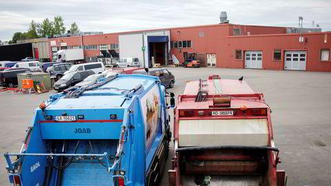 Konkursen i avfallsselskapet RenoNorden utløser krav fra flere partier om at kommuner skal samle inn søppel selv.