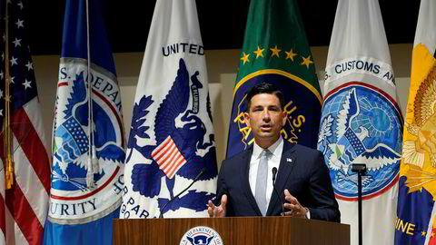 En varsler anklager fungerende sjef Chad Wolf i departementet for innenlands sikkerhet (DHS) for å ha forsøkt å legge føringer på innholdet i etterretningsrapporter.