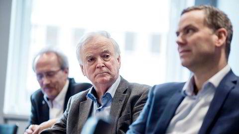 Sævik-familien er største aksjonær i seismikkselskapet Axxis Geo Solutions. Njål Sævik (fra høyre), Per Sævik og Arne Johan Dale, finansdirektør i Havila Shipping.