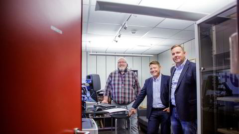 – Hvis vi ikke hadde samarbeidet, ville vi vært prisgitt internasjonale, kommersielle aktører, sier NRKs radiosjef Jon Branæs (fra venstre), sammen med P4-direktør Kenneth Andresen og sjef Lasse Kokvik i Bauer-gruppen.