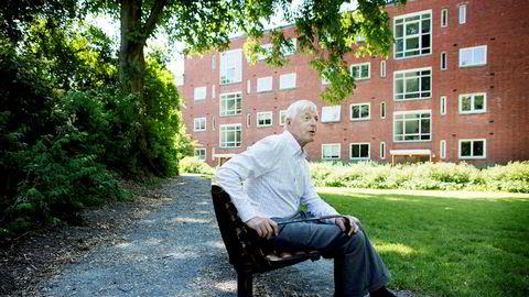 – Jeg har ikke noe imot å hjelpe en flyktning. Det har nå DNB satt en stopper for, sier Axel Bech (75).