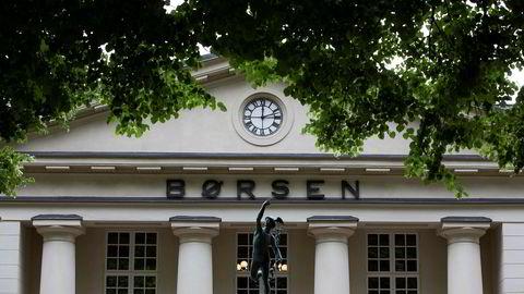 Både Nel og hovedindeksen på Oslo Børs har falt markant mandag.