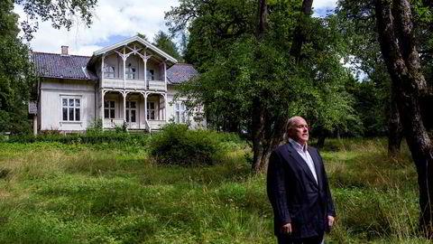 «Villa Fjellet» og den nesten seks mål store tomten sentralt i Oslo selges på tvangssalg. Eivind Godal-Hadeln er en av eierne som kjemper for å få endret den formelle reguleringen før salget er gjennomført.