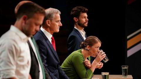 Arbeiderpartiets leder Jonas Gahr Støre (i midten) må ha støtte fra enten MDGs Une Aina Bastholm eller Rødt-leder Bjørnar Moxnes (t.h.) for å få flertall, ifølge et gjennomsnitt av de nasjonale meningsmålingene i august. Foto: Ole Martin Wold / NTB Scanpix