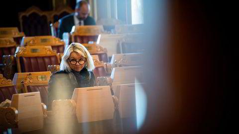 Justisminister Monica Mæland avventer UNEs konklusjon i saken.