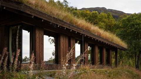 Tilpasset. Det var et lite platå på tomten i dalsiden i Hemsedal. Som om den var laget for Vy-hytta, syntes Trude Jarmund Karstensen, gift med arkitekten bak hytta, Einar Jarmund.