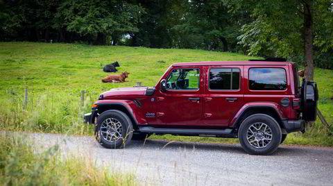 Du trenger ikke være cowboy for å kjøre Jeep Wrangler 4xe, men det skader ikke.