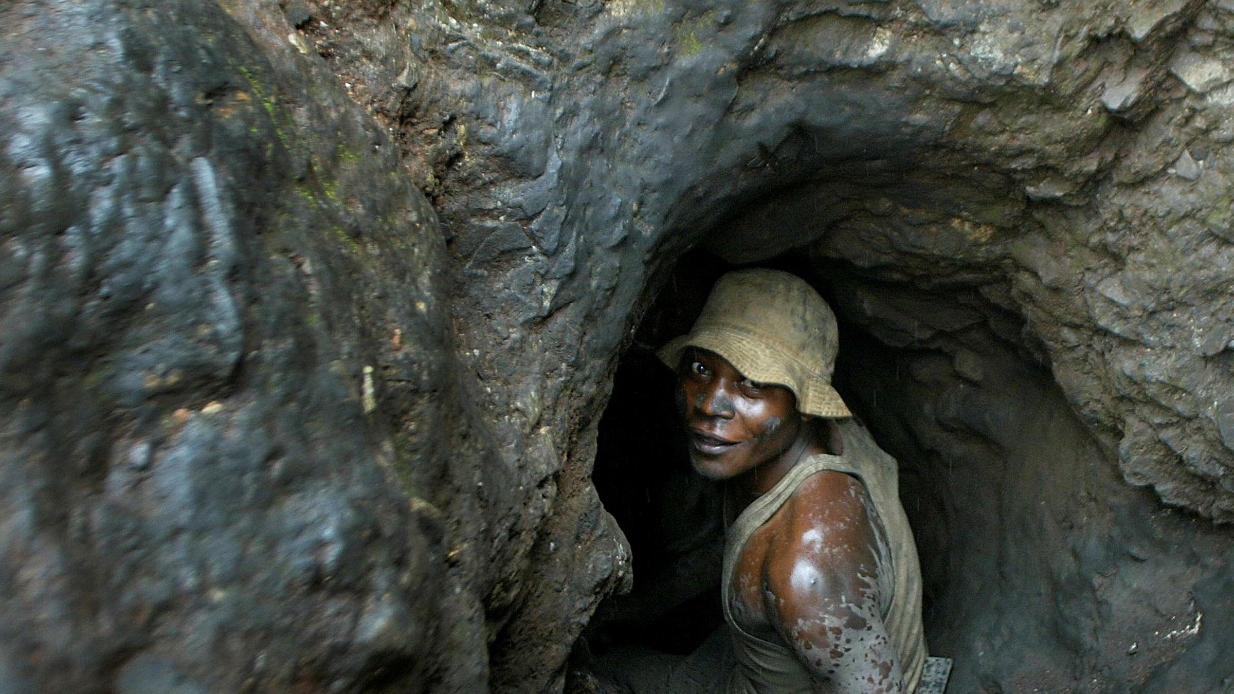 Barnearbeid eller uverdige arbeidsforhold i forbindelse med utvinning av kobolt i gruvene i Kongo er mye omtalt i Norge. Kobolt brukes blant annet i fremstillingen av batterier til elbiler.
