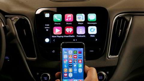 Mobilbruk havner på andreplass over de verste distraksjonene for sjåfører.