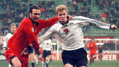 Det som en gang var. Rosenborgs Jon Olav Hjelde (til høyre) i duell med AC Milans Christophe Dugarry på San Siro i desember 1996.