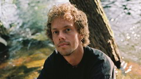 Bård Berg produserer frisk klubbmusikk med utstrakt bruk av unge norske vokalister.