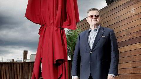Rettstvistene etter konkursen i Asmund Haares danske hotellkonsern fortsetter. Blant annet varsler konkursboet krav om 100 millioner fra Haare og resten av styret.