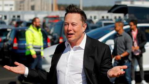 Tesla-gründer Elon Musk sier de nye batteriene ikke kommer i masseproduksjon før i 2022.