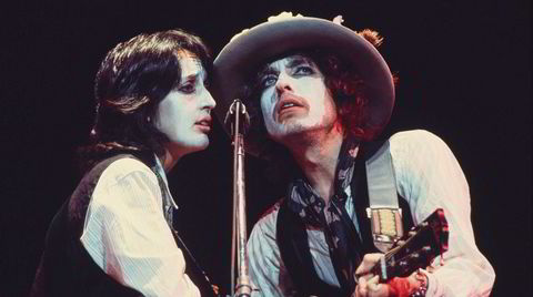 Joan Baez og Bob Dylan blir til ett ved mikrofonen i Martin Scorseses meget fascinerende fiksjonsfilm med dokumentartilsnitt, eller var det omvendt? Turneen Rolling Thunder Revue fant i alle fall sted i 1975.