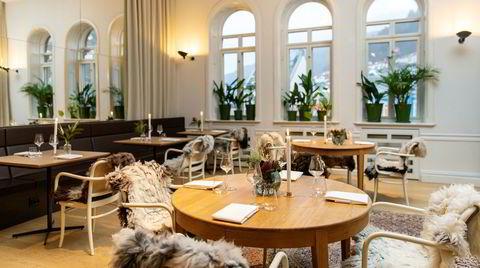 Restaurant Bare holder hus i lyse og lette lokaler i Bergen Børs Hotel.