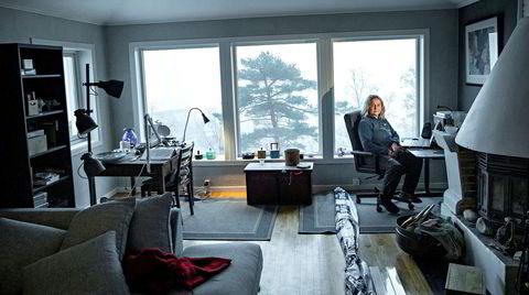 Utallige timer har forsker Brit Helle Aarskog brukt foran pc-en for å finne ut hva som skjedde da den offentlige aktøren Vestlandets Innovasjonsselskap (VIS) overførte aksjer til et privat investeringsfond.