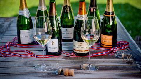 Det er ikke lett å velge riktig champagne til 17. mai, men hvis du først bestemmer deg for å satse på de billigste, hjelper DN deg å navigere rett i polets hyller.