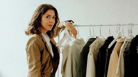 Godt brukt. 25 år gamle Sarah Gjemdal skrev forretningsplanen da hun var 19 år. For tre år siden åpnet hun bruktbutikken Sarah. Nå satser hun med Hello Goodbuy, et pantekonsept for klær, i København.