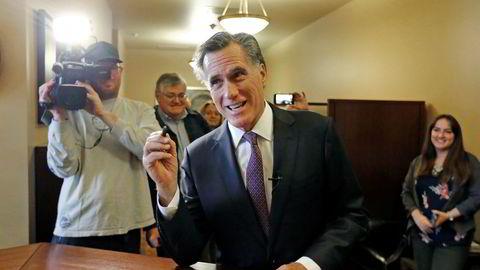 Mitt Romney, som ikke nådde opp som republikansk presidentkandidat til 2016-valget, har tidligere kalt Trump «svindler» og sto i en liten periode før 2016-valget i spissen for «Aldri Trump»-bevegelsen.