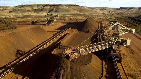 Bristisk-australske Rio Tinto er tilbake i varmen hos Oljefondet. Her fra Yandicoogina-anlegget for lasting av jernmalm vest i Australia.