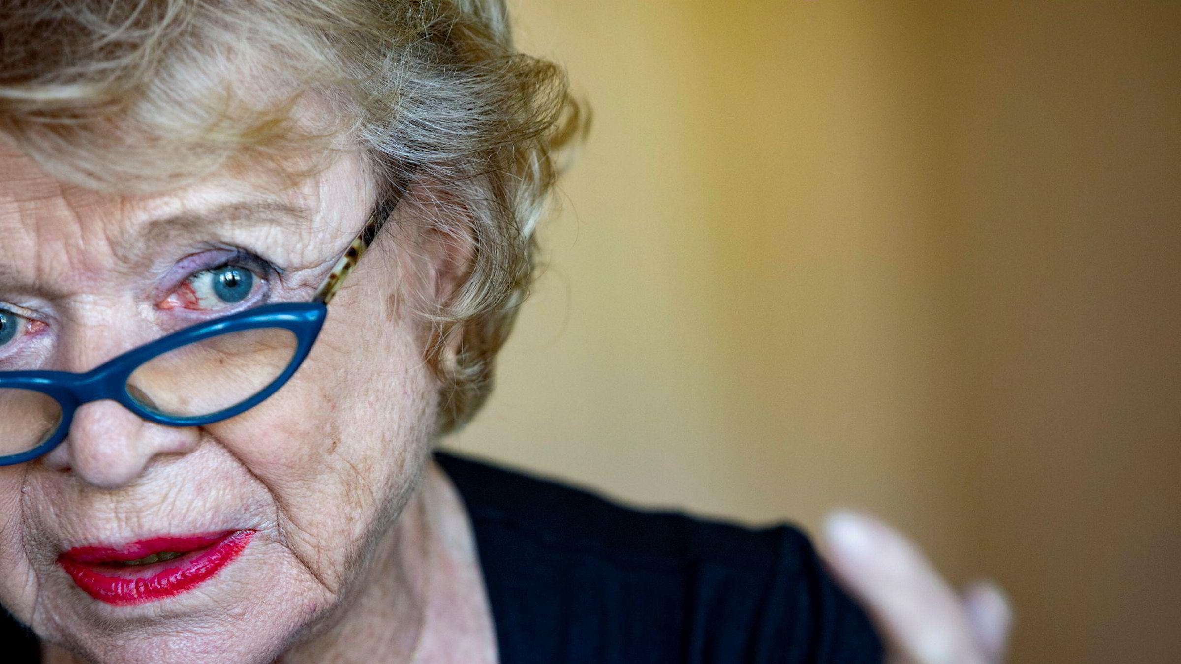 Korrupsjonsjeger Eva Joly slakter DNBs innsats mot hvitvasking.