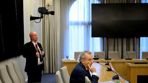 Tidligere riksadvokat Tor-Aksel Busch startet sin orientering i den åpne høringen om Nav-skandalen 9. januar med å beklage.