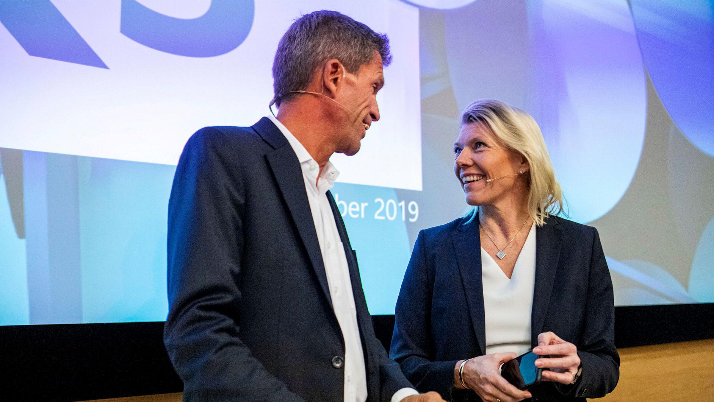 DNB-toppene Kjerstin Braathen (t.h.) og Ottar Ertzeid kunne legge frem et knallsterkt tredjekvartalsresultat torsdag, deres første i rollene som henholdsvis konsernsjef og finansdirektør.
