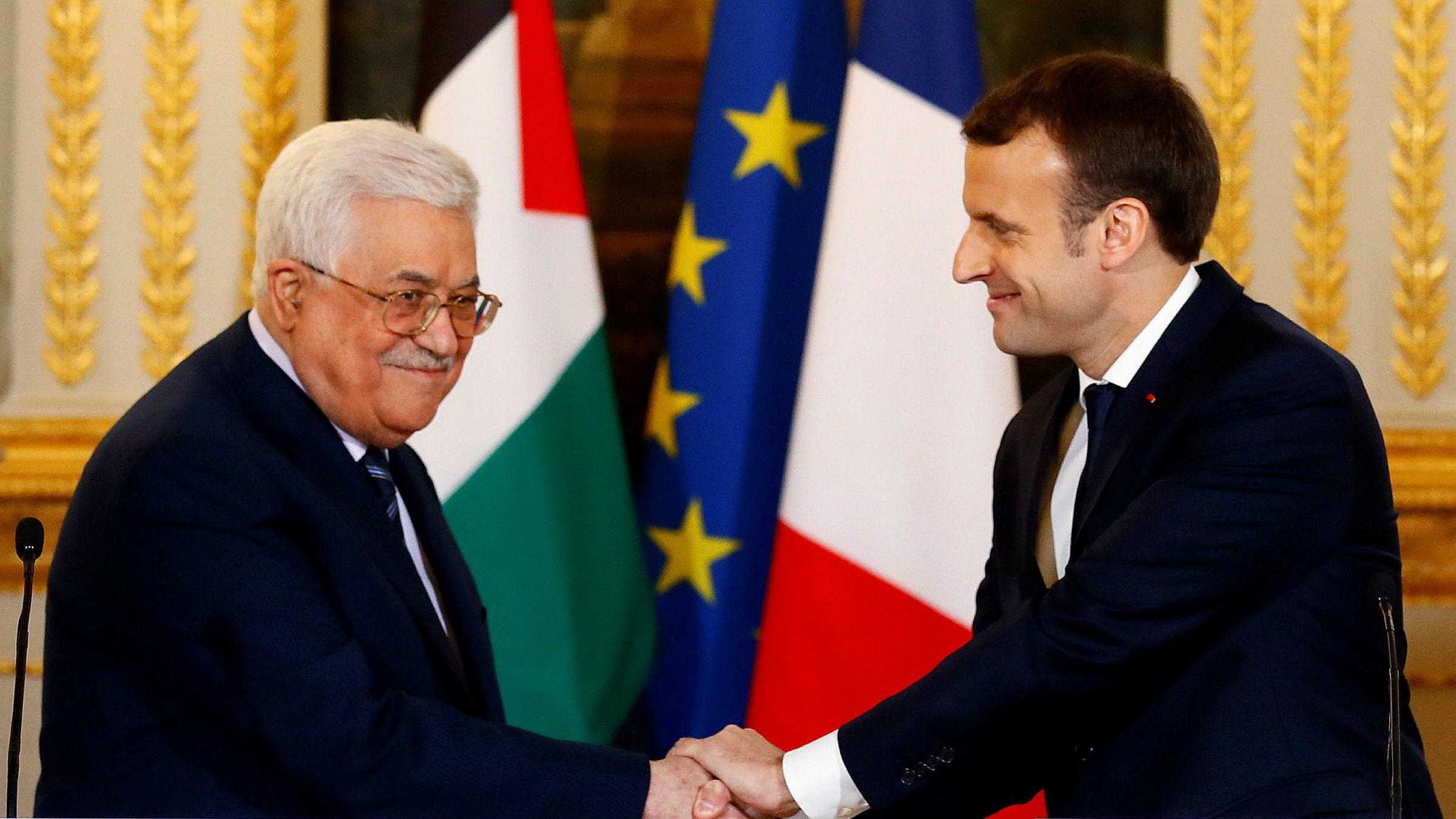 Palestinas president Mahmoud Abbas og Frankrikes president Emmanuel Macron møttes i Paris fredag.