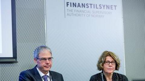 Avdelingsdirektør Per Mathis Kongsrud og seksjonssjef Thea B. Kloster presenterer Finanstilsynets boliglånsundersøkelse for 2019.
