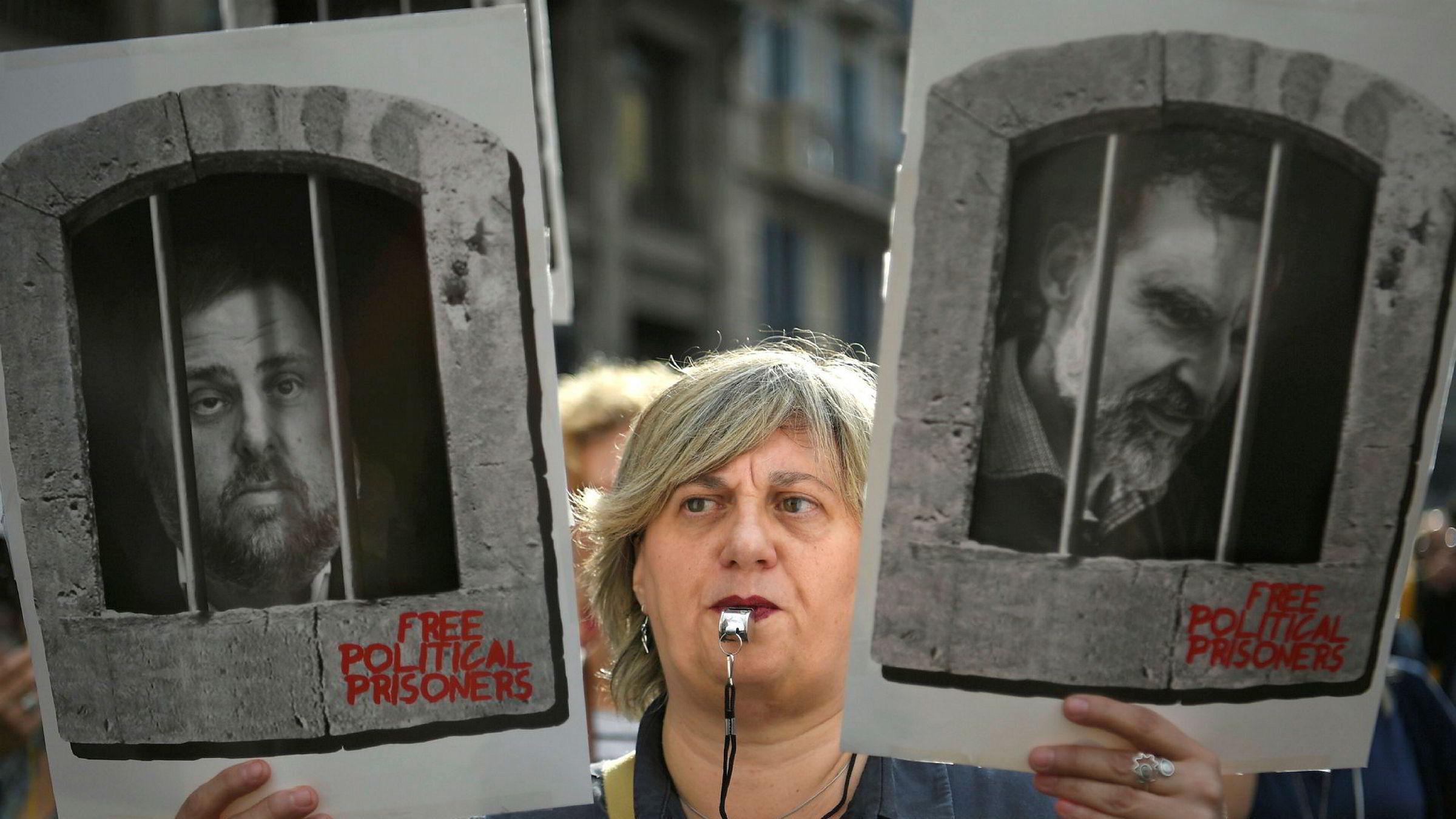 Det har vært voldsomme demonstrasjoner i Barcelona etter at spansk høyesterett ga dommer på mellom ni og 13 års fengsel til katalanske politikere.