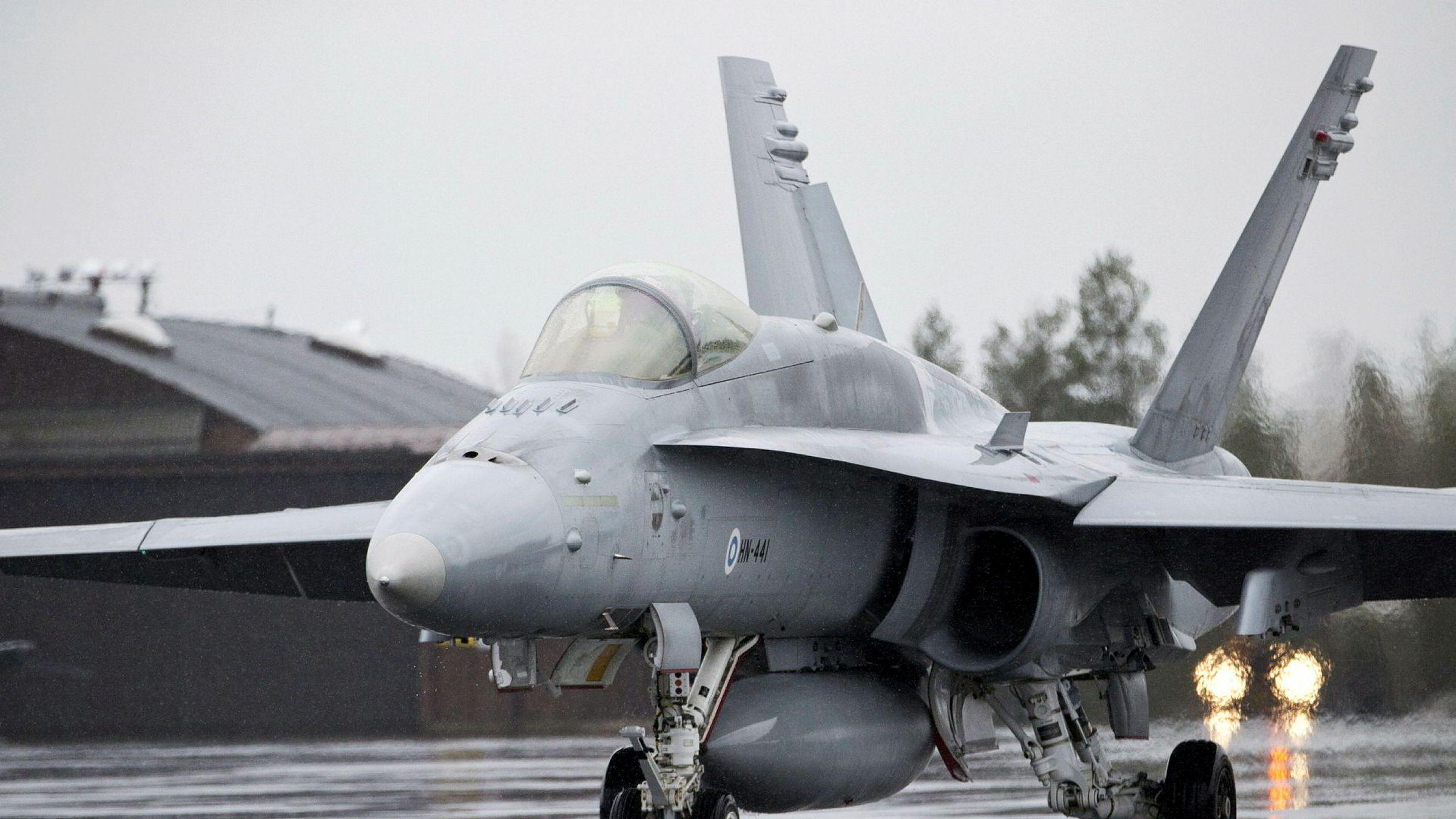 Et finsk F/A-18 Hornet kampfly i Rovaniemi på øvelsen Arctic Challenge Exercise arrangert av Norge, Sverige og Finland.
