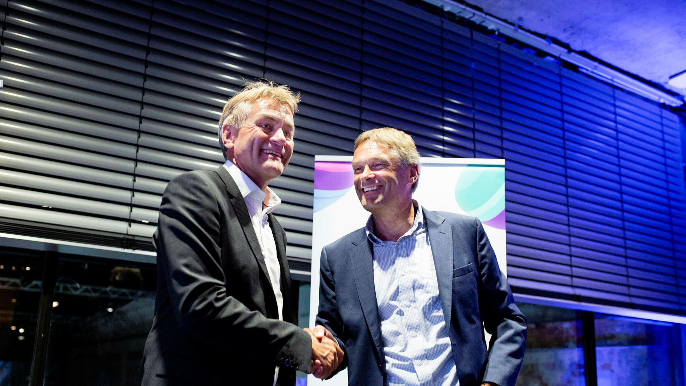 Get og TDC-sjef Gunnar Evensen (til venstre) og administrerende direktør Abraham Foss i Telia Norge under pressekonferansen på Doga i Oslo tirsdag – den samme dagen Telenor slapp sine kvartalstall.
