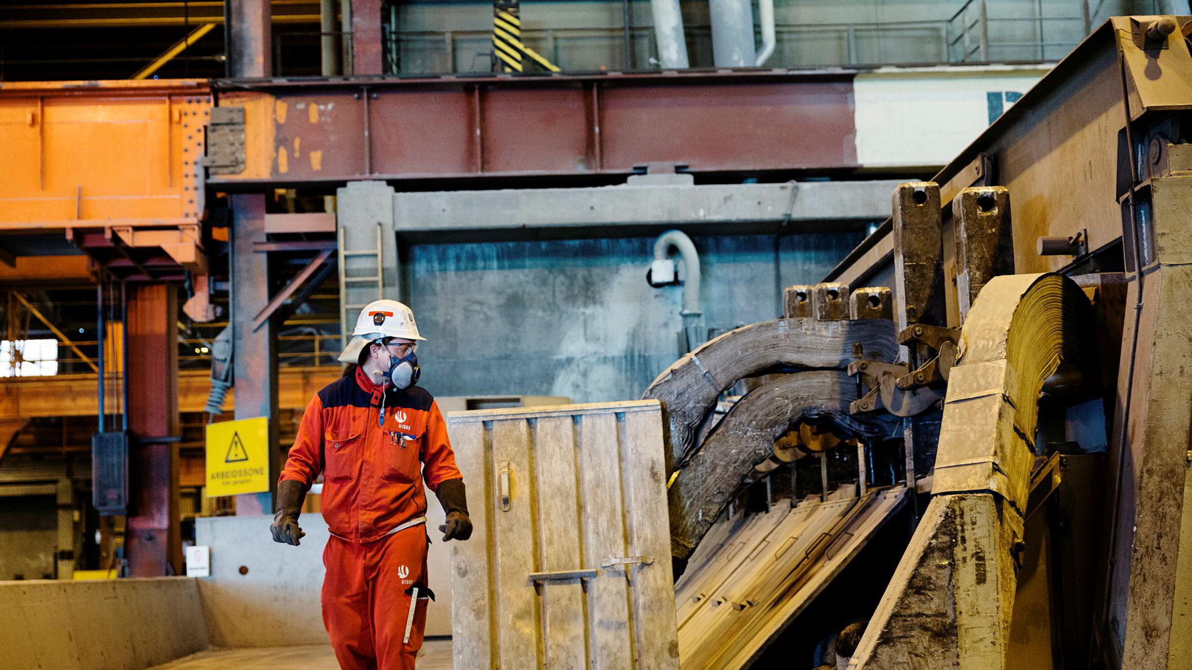Her fra Hydro sitt anlegg for produksjon av Aluminium på Karmøy.