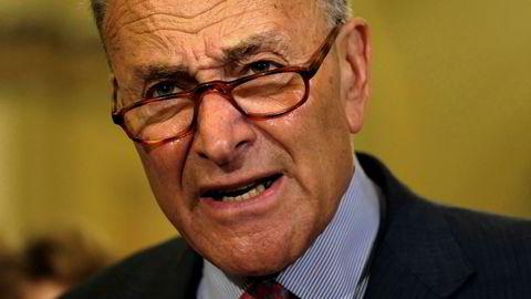 Demokratenes leder i Senatet, Chuck Schumer er ikke akkurat imponert over president Donald Trumps helomvendning.