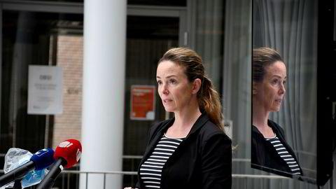 Kommuneoverlege Kathrine Kristoffersen og Tromsø kommune har overtatt det medisinske ansvaret for MS «Roald Amundsen». Her fra pressekonferanse på Rådhuset i Tromsø torsdag i forbindelse med koronasituasjonen hos Hurtigruten.