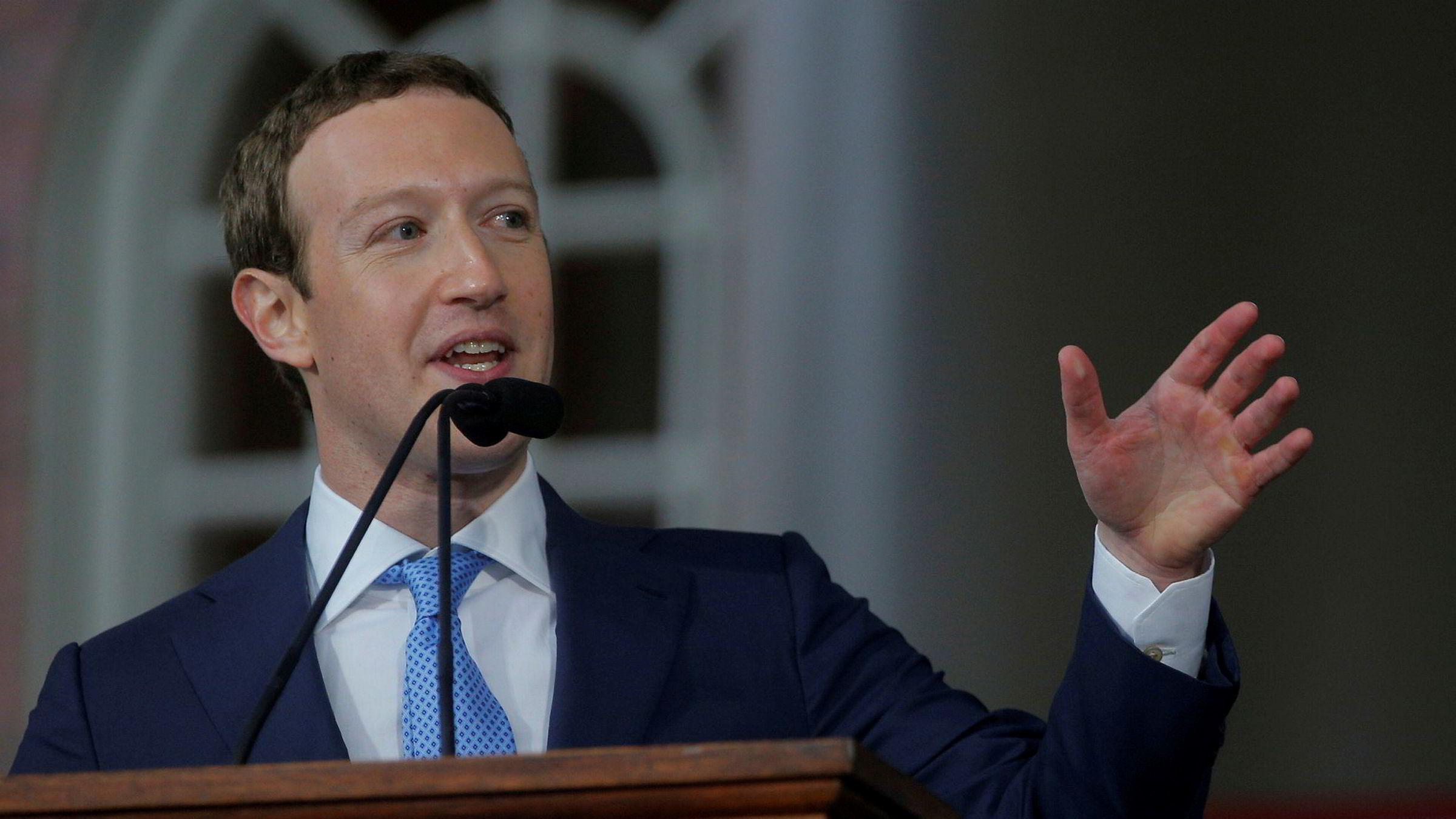 Facebook-gründer Mark Zuckerberg under en tale ved Harvard i mai i år.