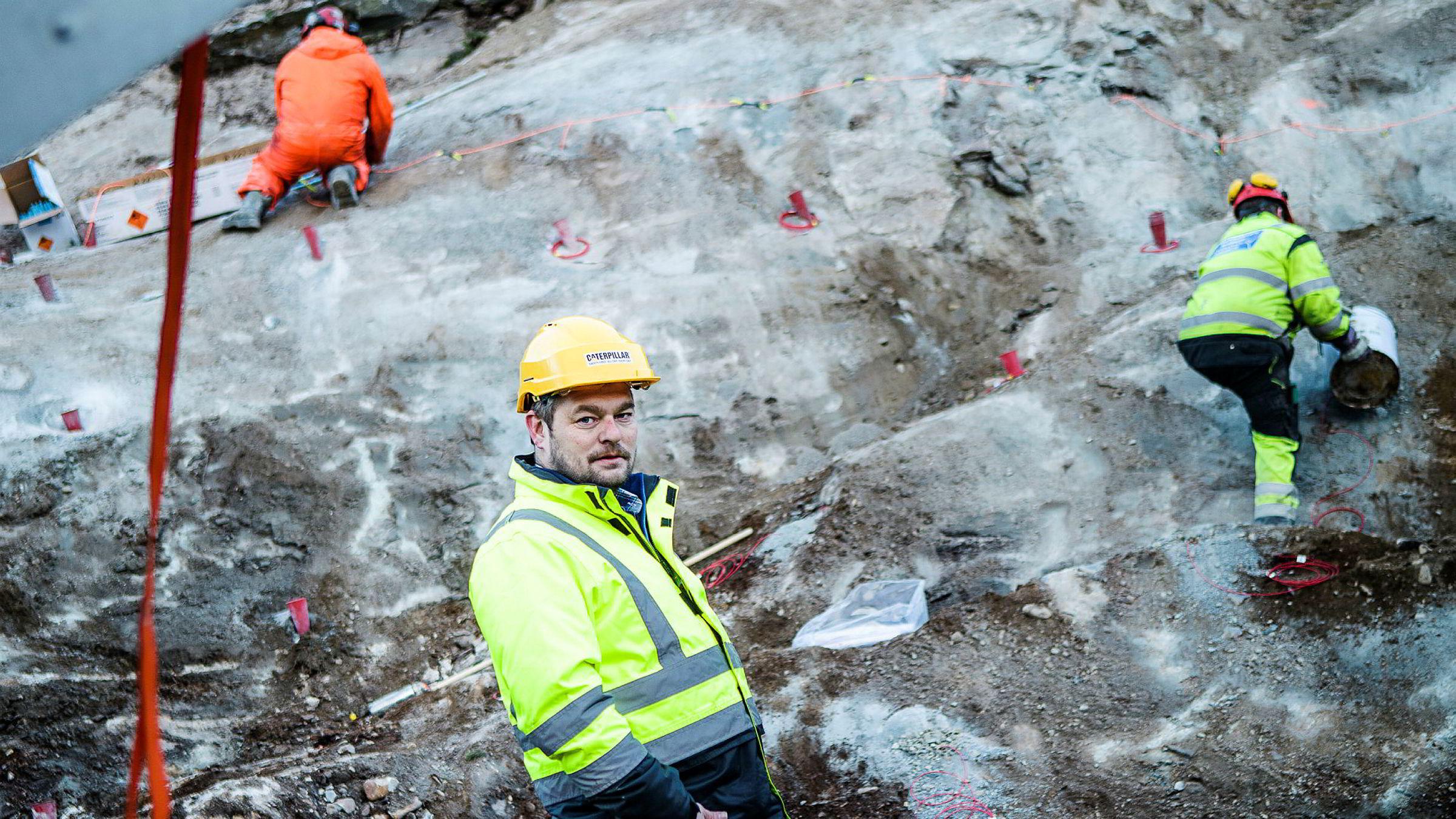 Anlegg Nord, her ved daglig leder Christian Oskarsson på veiarbeid på E8 ved Skibotn, er årets gasellebedrift i Finnmark.
