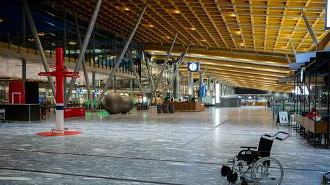 Å diskutere store strukturendringer i luftfarten er en avsporing i den pressede situasjonen både luftfarten og våre land står i, skriver SAS' John Eckhoff i en av replikkene fredag.