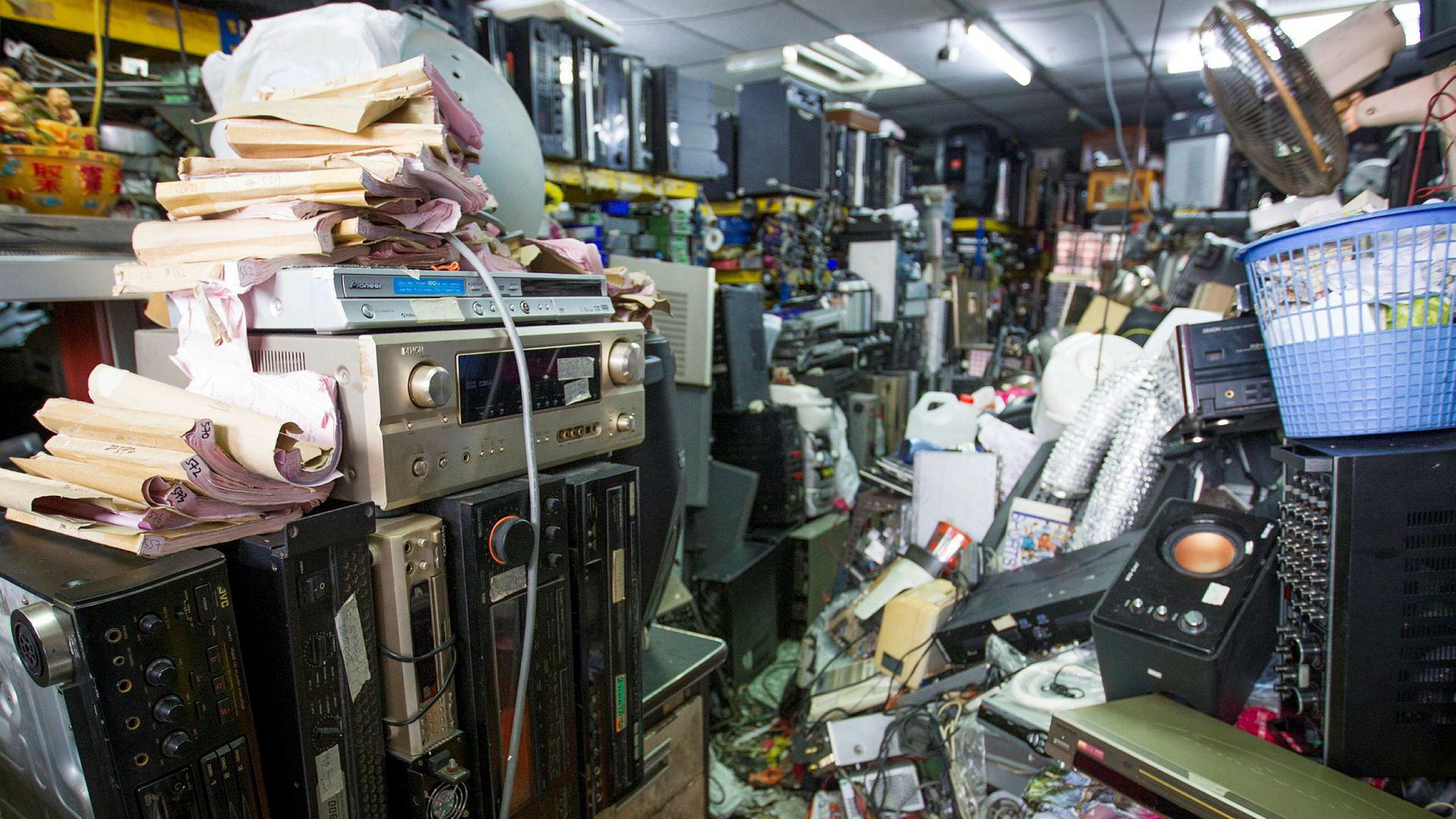 Hvert år skrotes elektroniske produkter i verden nok til å fylle Empire State Building 100 ganger.