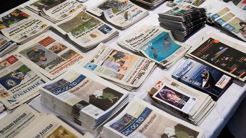 Annonseintektene til norske mediehus faller kraftig som følge av koronaviruset.