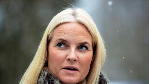 Kronprinsesse Mette-Marit beklager at hun ikke undersøkte Epsteins fortid nærmere.