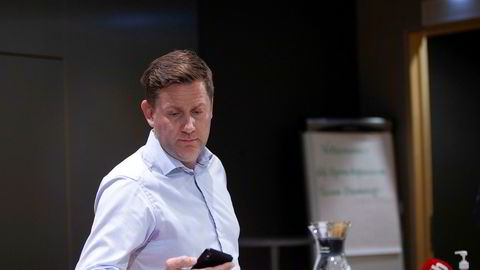 Hurtigruten-sjef Daniel Skjeldam ga de Norsk sjøoffisersforbund, Det norske maskinistforbundet og Norsk Sjømannsforbund en orientering angående smitteutbruddet på Hurtigrutens MS «Roald Amundsen».