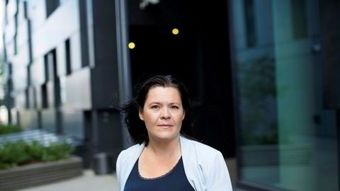 Sjeføkonom Elisabeth Holvik, Sparebank 1, mener Norge er blitt et mindre attraktivt land å investere i for utenlandske investorer og at det er behov for skattereform, med nye incentiver.