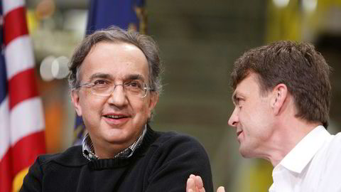 Sergio Marchionne (t.v.) sammen med Mike Manley, som nå har erstattet ham som toppsjef i Fiat Chrysler.
