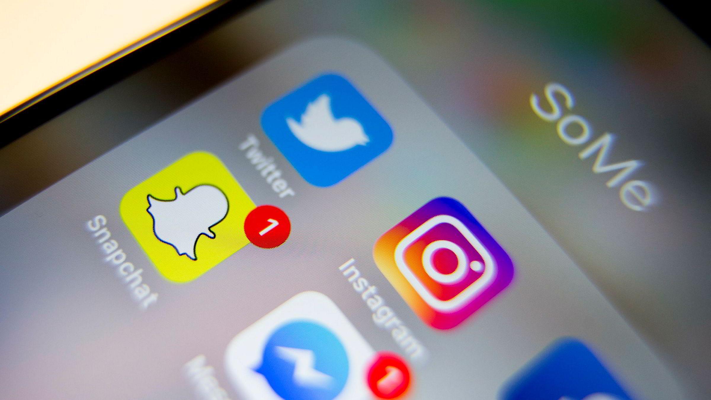 Forbrukertilsynet har i senere tid tatt opp sak med flere annonsører som blir markedsført i sosiale medier uten at det er tydelig for leseren at det er snakk om reklame. De krever at annonsørene tar ansvar for egen reklame.